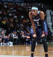 Brittney Sykes looks on during the game against the Connecticut Sun. Photo by Chris Marion/NBAE via Getty Images.
