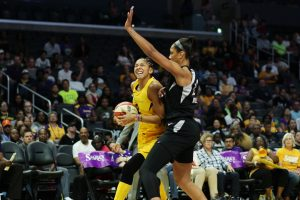 Candace Parker works her way around A'ja Wilson. Maria Noble/WomensHoopsWorld.