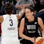 Breanna Stewart looks to pass around Candace Parker. Maggi Stivers/WomensHoopsWorld.