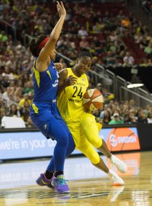 Jewell Loyd drives on Allisha Gray. Neil Enns/Storm Photos.
