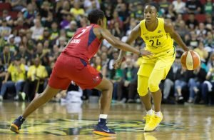 Jewell Loyd looks for a opening to pass the ball. Neil Enns/Storm Photos.