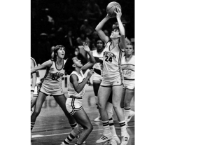 No. 52 Alison Lang and No. 24 Bev Smith were a dream team for the Ducks from 1979-1982.