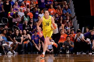 Breanna Stewart handles the ball against the Phoenix Mercury during game four of the 2018 WNBA semifinals last September. Photo by Michael Gonzales/NBAE via Getty Images.